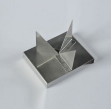 S040 Stainless Steel 3 Point Trivet (Sm)  - Product Image